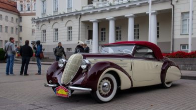 """Photo of Ralį """"Aplink Lietuvą"""" užbaigę klasikinių automobilių vairuotojai: """"Tai buvo puikus savaitgalis"""""""
